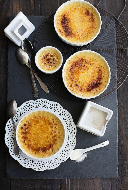 Vanilla Bean Creme Brulee #LivelikeJulia www.pineappleandcoconut.com