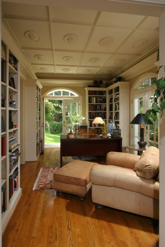 Cozy home library dreamy home libraries pinterest for Pictures of cozy homes