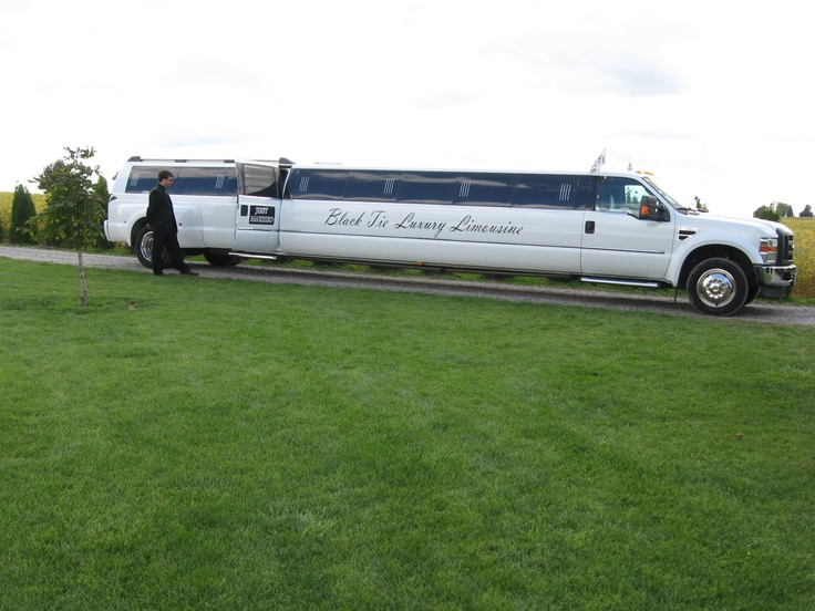 Stunning stretch limousine was rented for transporting the entire wedding party  736 x 552 · 145 kB · jpeg
