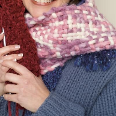 how-to project: Loom Knit Ruffle Scarf - Simplicity.com
