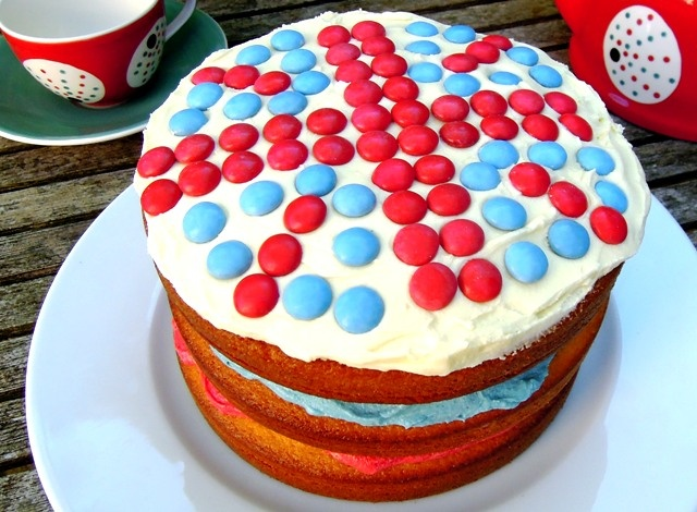 Red, white and blue Jubilee party cake | Cakes | Pinterest
