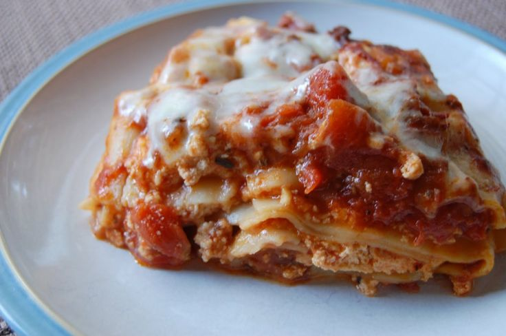 Crock Pot EASY Lasagna. I've tried a meatless crockpot lasagna with ...