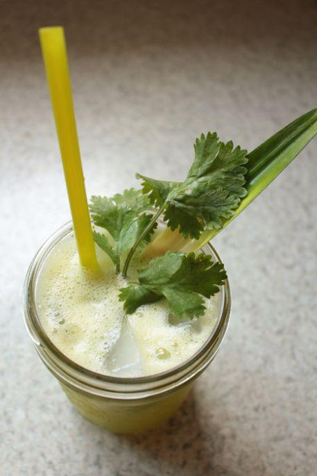 Thirsty? ~ Pineapple + Cilantro Water | Drinks | Pinterest