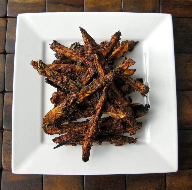Paleo Recipe. Oven-Baked Rosemary-Parmesan Sweet Potato Fries