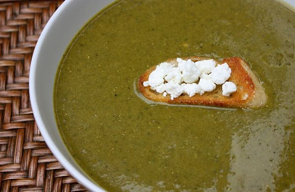 Monday Soup: Spinach & Goat Cheese Bisque | Under a Pink Moon