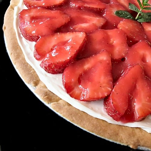 strawberry dessert pizza | Food | Pinterest