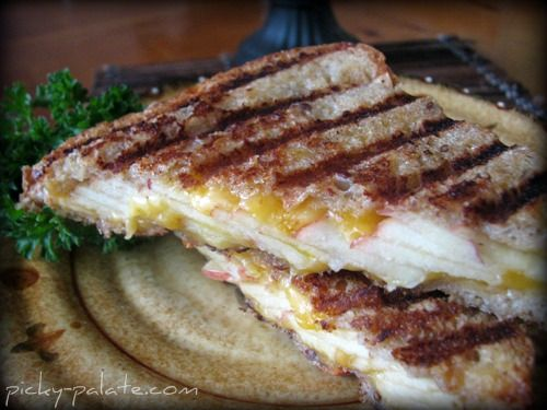 Toasted Whole Grain Apple Cheddar Panini. I am so excited to make this ...