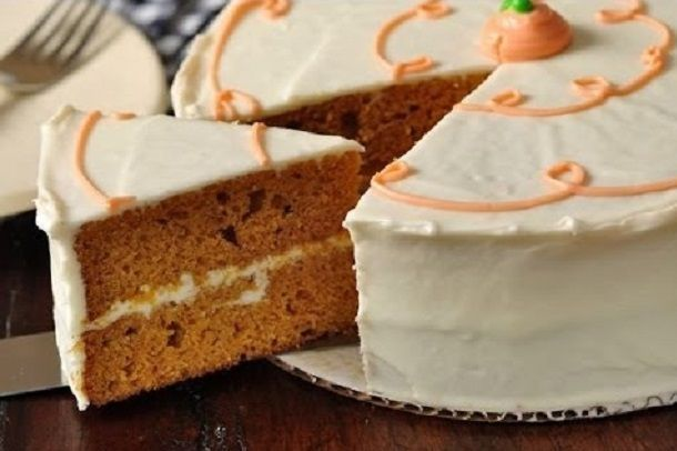 Delicious Recipe for Pumpkin Spice Cake with Maple Cream Cheese Icing
