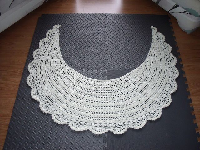 Crescent Moon Shawl Free Crochet Pattern : Pin by Debbie House on crochet crafts Pinterest