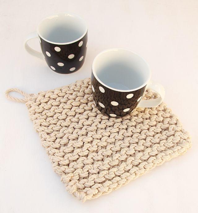 Knitting Pattern For A Pot Holder : Chunky Knit Pot Holder From Rope Knitting Pinterest