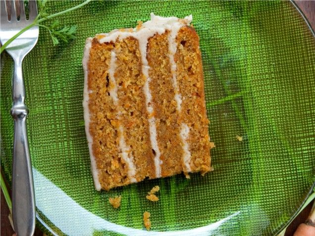 Carrot Cake with Cinnamon Cream Cheese Frosting-this looks sooooo good