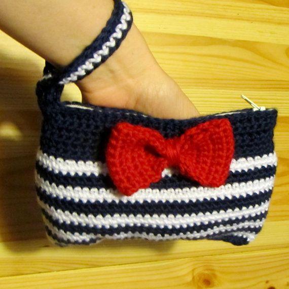 Crochet Wristlet Purse Pattern : crochet purses