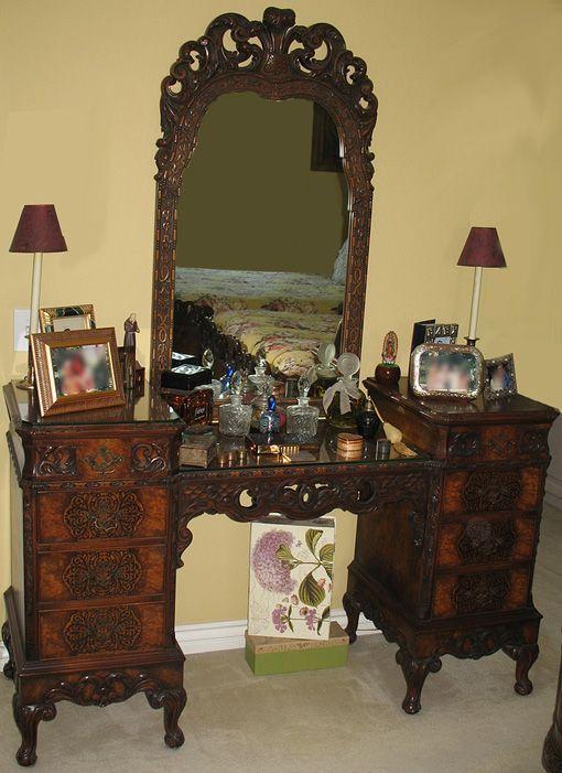 Antique Rococo Louis Xv Walnut Burl Wood Vanity Dresser