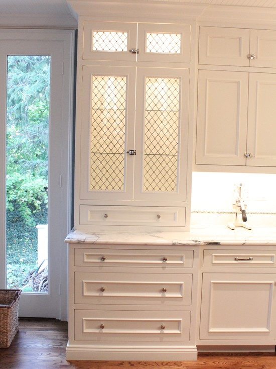 chicken wire cabinets with lights for the home
