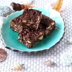 Tiffin Cake-no bake cake (Romanian) | Treats / Desserts | Pinterest