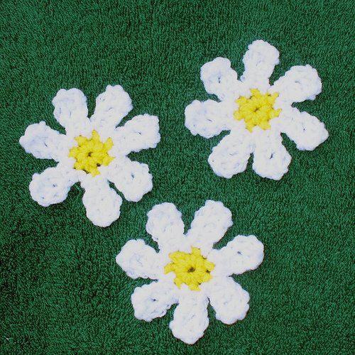 Easy Crochet, Little Flower, Applique FREE PATTERN