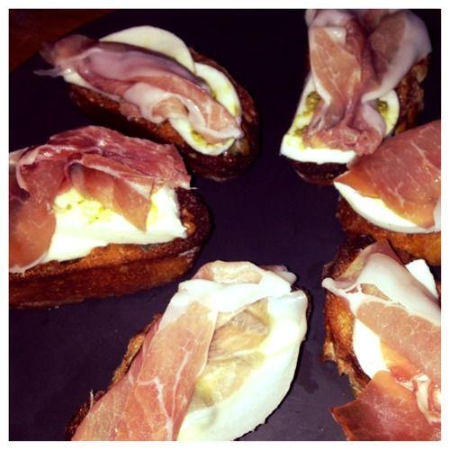 ... and Prosciutto Crostini #appetizers #prosciutto #mozzarella #crostini