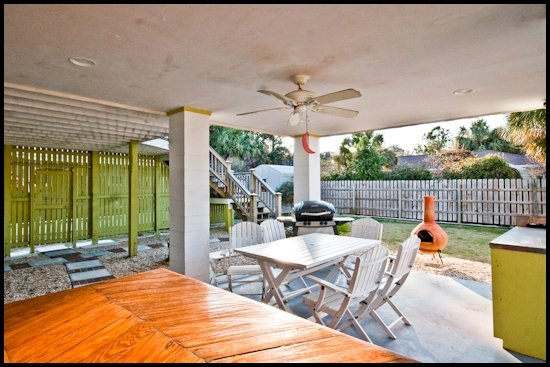 kitty 39 s cottage has a large outdoor space with a grill and plenty of