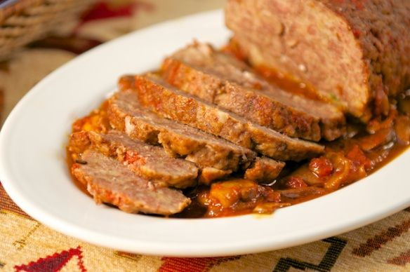 ... in umido con funghi (Meatloaf in Tomato and Mushroom Sauce