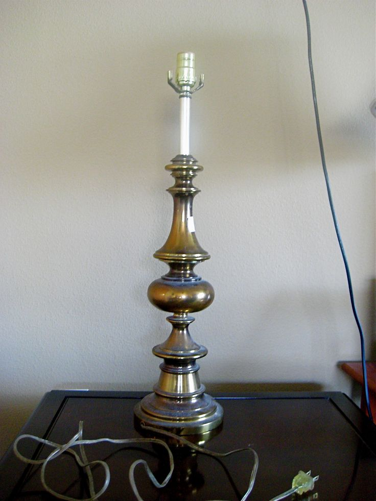 painting an old brass lamp decorating lamps pinterest. Black Bedroom Furniture Sets. Home Design Ideas