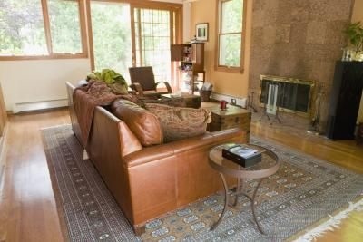 What colors of paint go with a brown leather couch - Brown goes with what color ...
