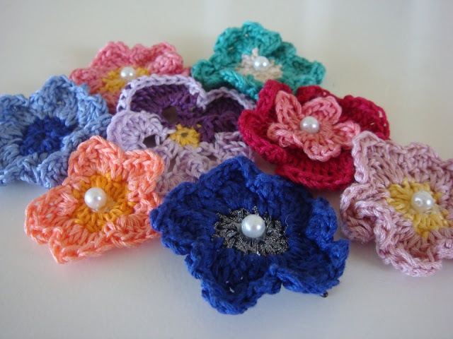 Crochet Hair Accessories : Recycled DIY: crochet hair accessories Crochet Pinterest