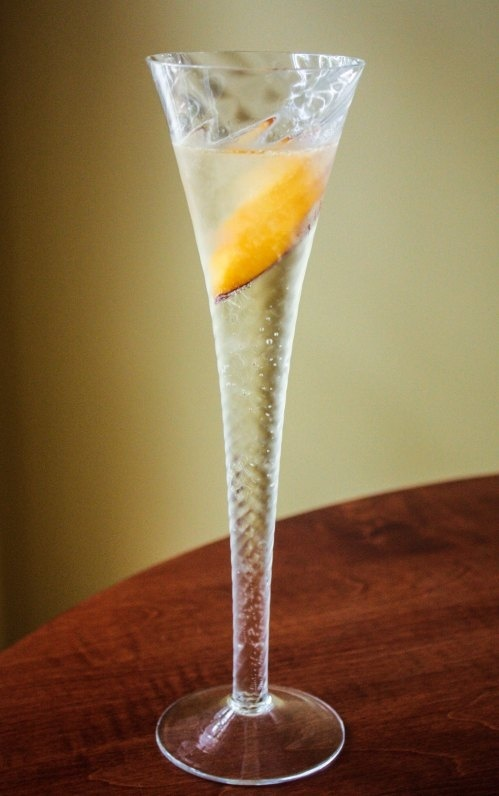 Peach Prosecco Cocktail | Drink Recipes | Pinterest