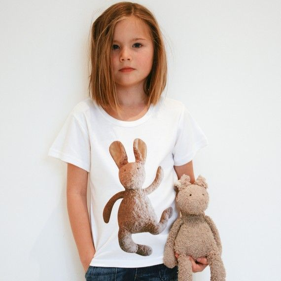 Personalized T-shirt with your child's teddybear - such a great idea for a first day at school