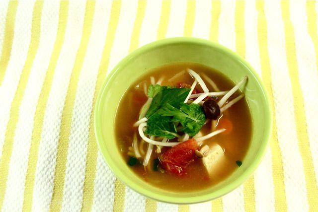 Lemongrass Hot and Sour Soup | Tasty! | Pinterest