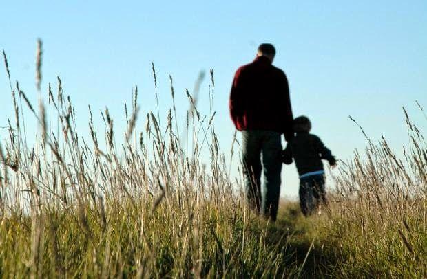 JORNAL O RESUMO - ECONOMIA O comercio espera um bom dia dos pais JR - DESDE 2007 BUSCANDO A NOTÍCIA PARA VOCÊ  JORNAL O RESUMO: Intenção de presentear no Dia dos Pais deste ano é...