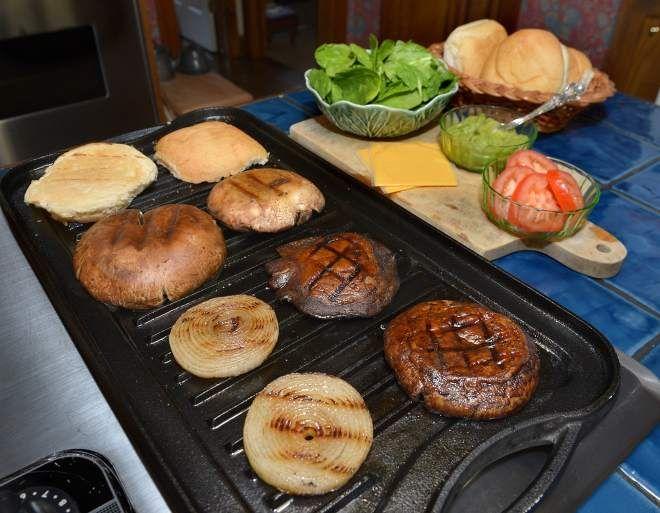 Portobello Mushroom Burgers | Vegetarian Newby | Pinterest