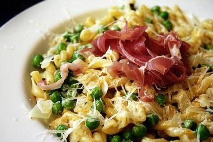 Mac And Cheese With Pesto, Proscuitto, And Peas Recipes — Dishmaps