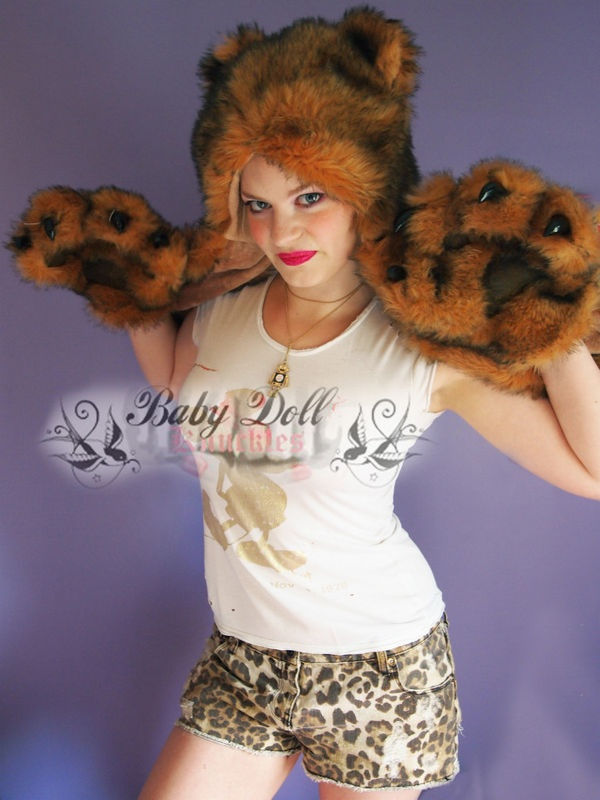 Poizen Industries Evil Teddy hat ears mitts