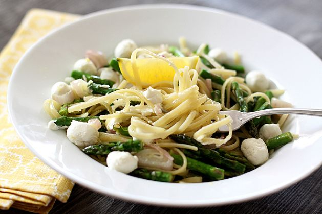 MAKE | Linguini with Lemon-Roasted Asparagus and Goat Cheese