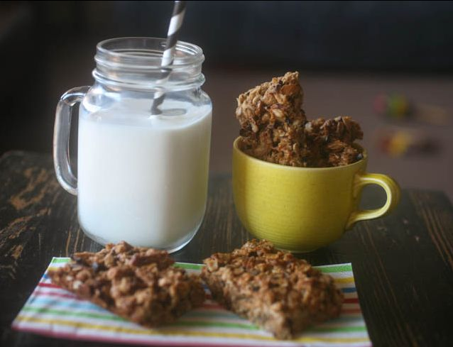 banana chocolate nut energy bars! #protein #energybars #chocolate #nut ...