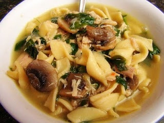 Spinach Mushroom Chicken noodle soup | So Good | Pinterest