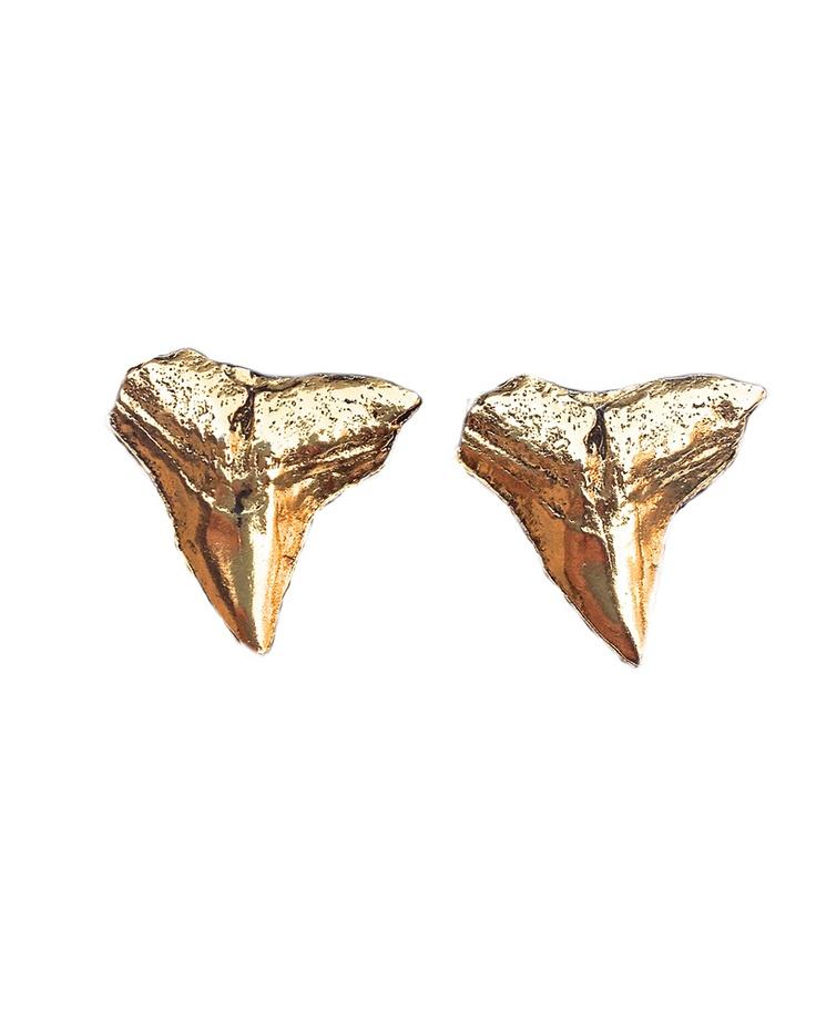 large shark teeth stud earrings style