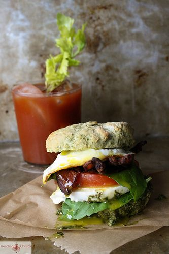 Basil, Bacon and Tomato Breakfast Sandwich | Recipe