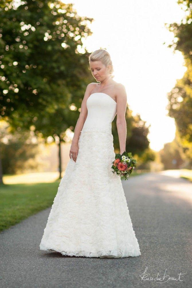 verträumtes Brautkleid mit Rosen  bride  Pinterest