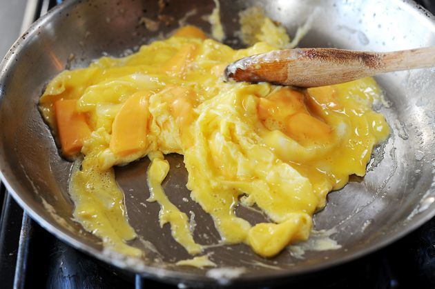 Pioneer Woman's Scrambled Eggs :: the secret is cheese! ;)