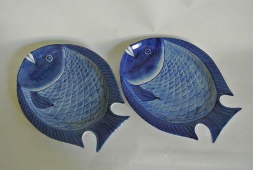 Oriental style fish shape blue dinner plates for Fish shaped plates