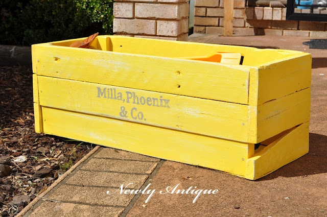 Pallet wood toy box keiki pinterest for Toy pallets