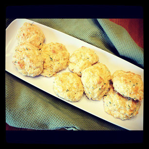 Cheddar & Chive Biscuits | Best of Food Blogger Recipes | Pinterest