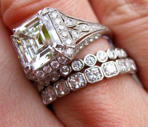 Antique Rings: Antique Rings Emerald Cut