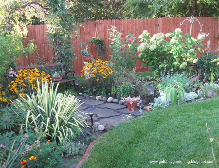 Bing perennial garden ideas garden ideas pinterest for Perennial landscaping ideas