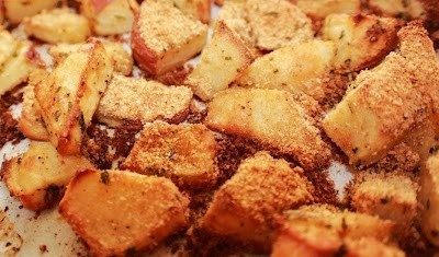 cajun spiced baked potato wedges | Get in my Belly | Pinterest