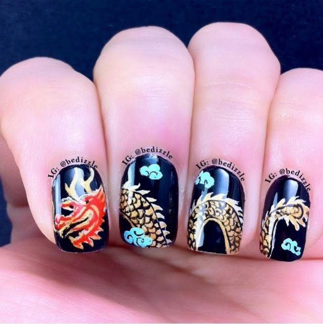 Дракон на ногтях
