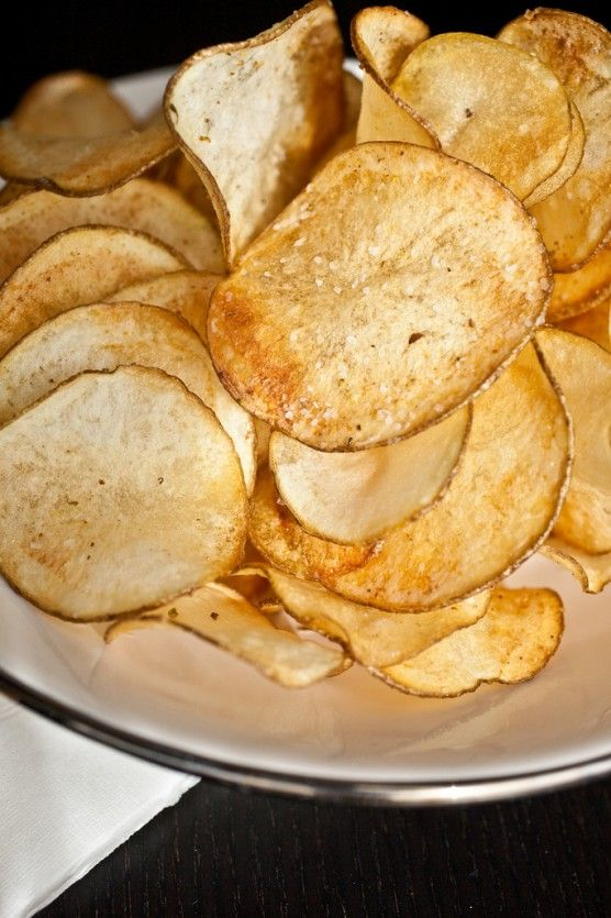 homemade potato chips #recipe. Easy and great and can be made with ...