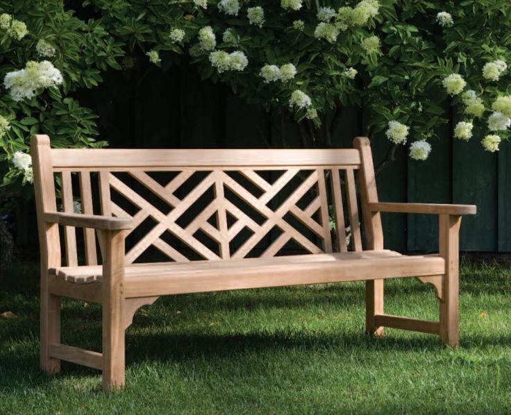 Как сделать своими руками садовую скамейку