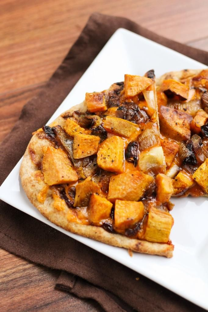 ... and caramelized onions apple cheddar pizza with caramelized onions